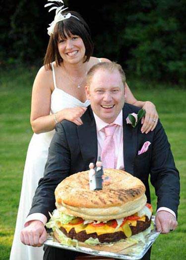 funny wtf wedding photo burger cake