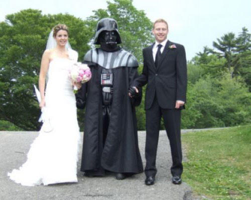 funny wtf wedding photo darth vader