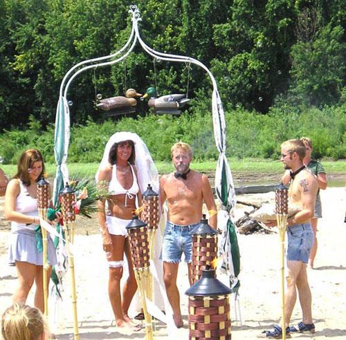 funny wtf wedding photo cutoff shorts